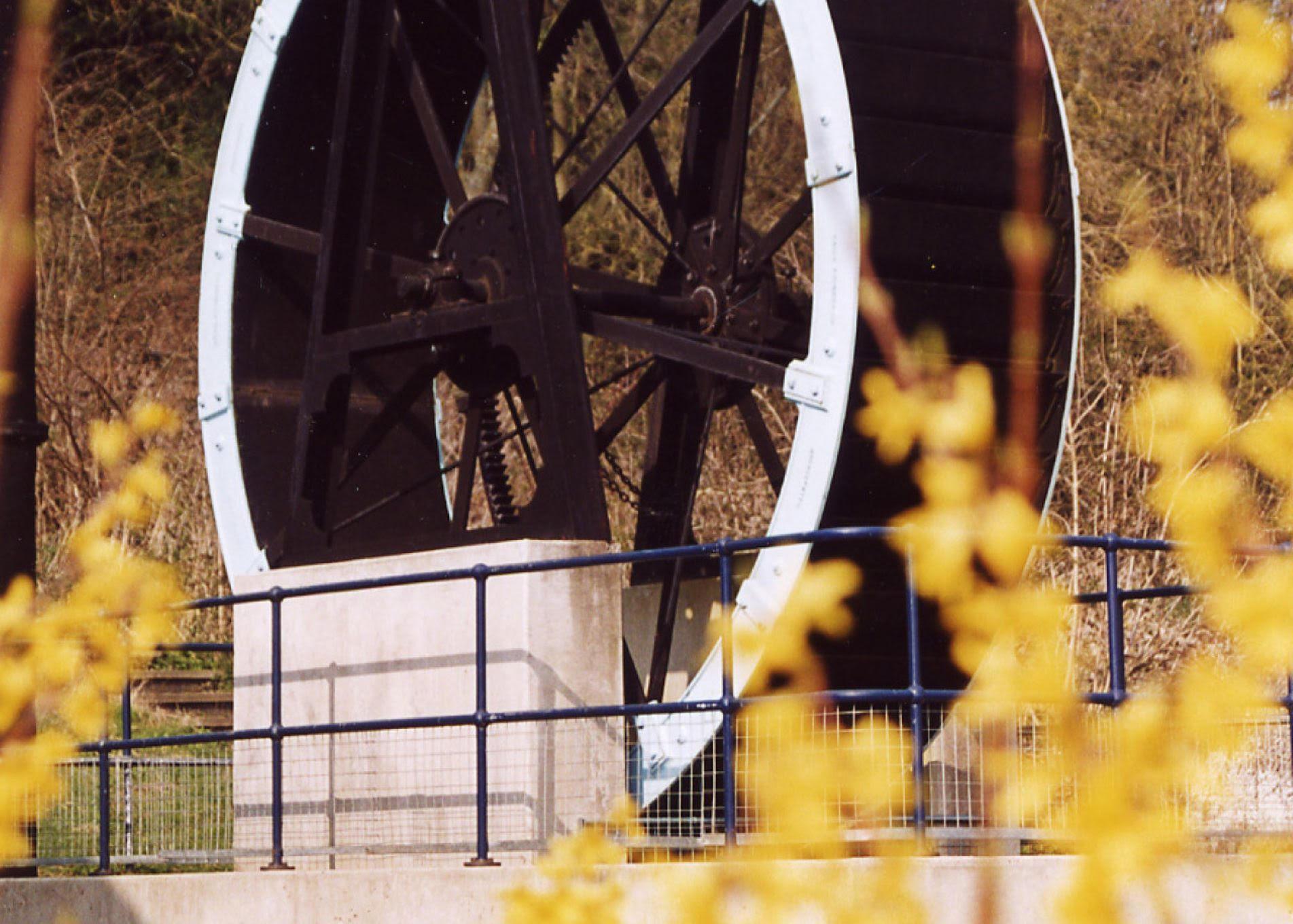 waterwheel large image