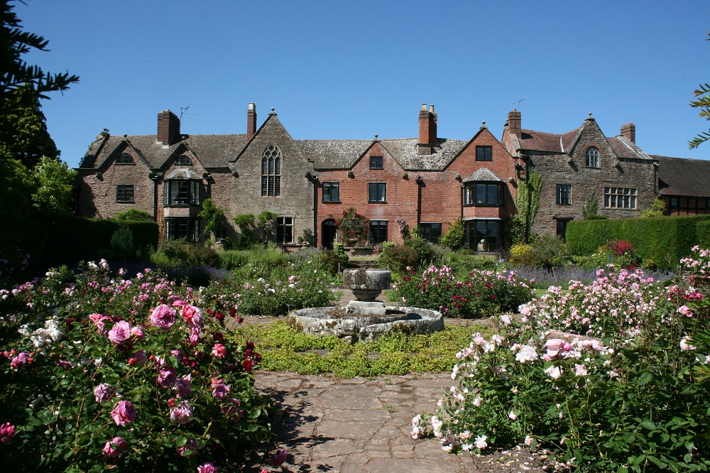Photo of historic house, gardens and business, Broadfield Court in Herefordshire