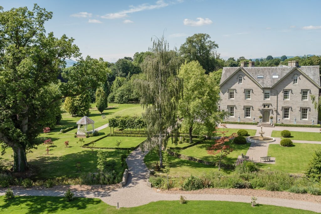 Lemore Manor