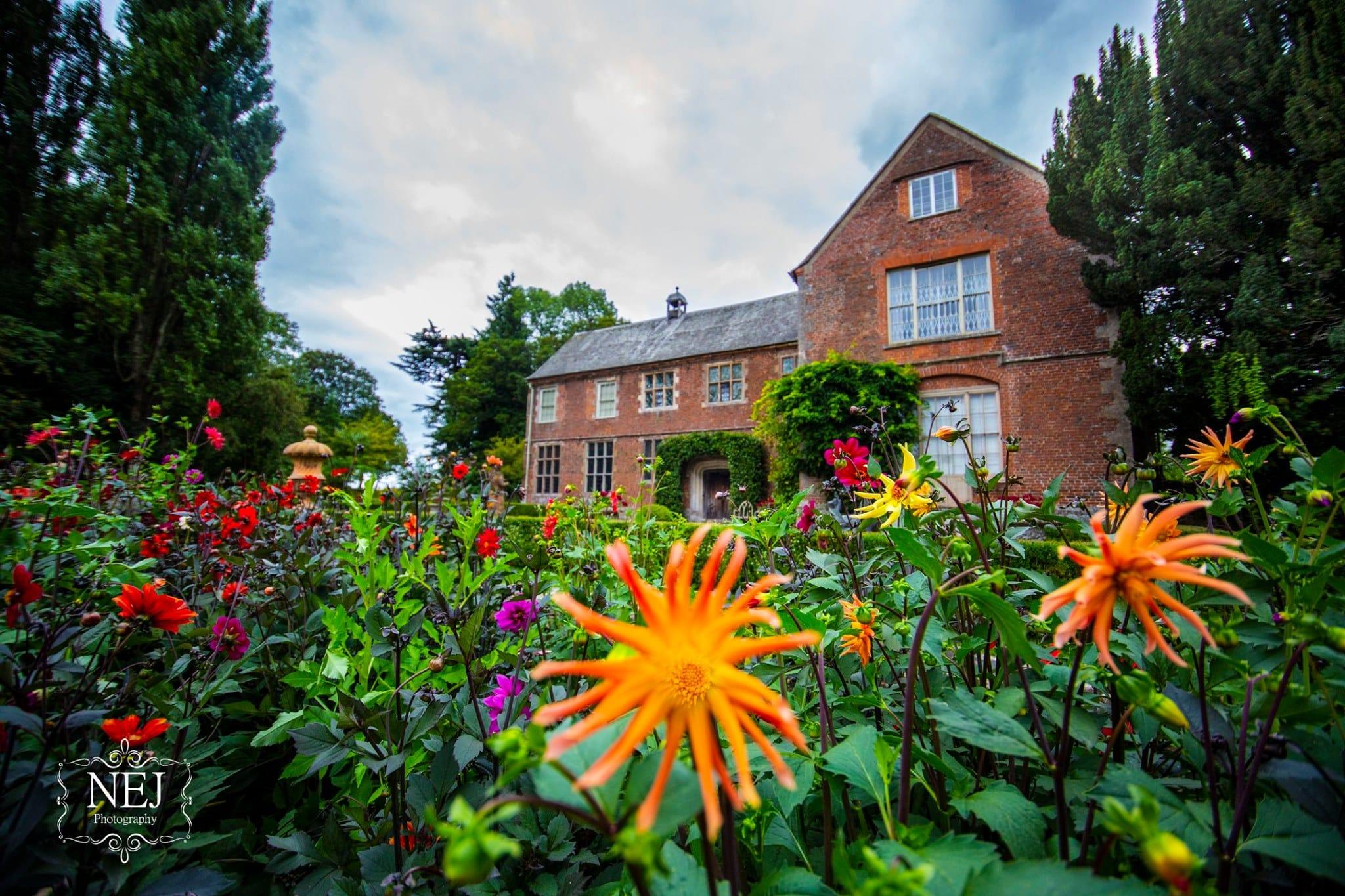 Hellens Manor Gardens