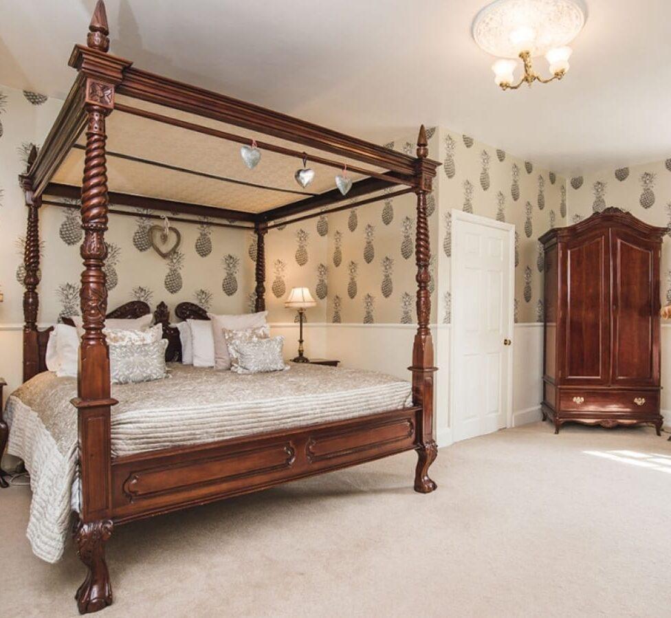 lemore bedroom
