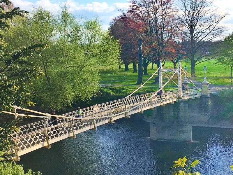 victoria footbridge